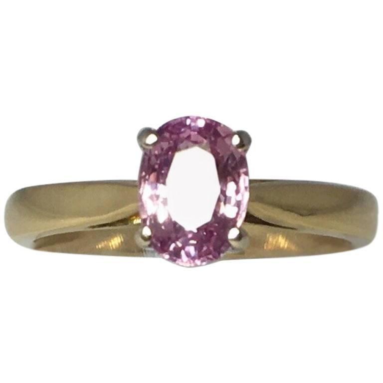 IGI Certified 1.37 Carat Purplish Pink Untreated Sapphire Gold Solitaire Ring
