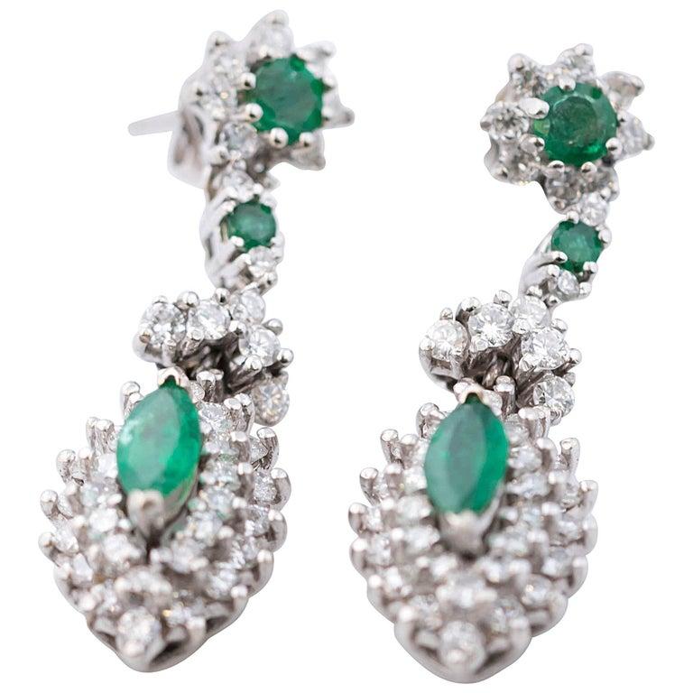 1950s 2 Carat Diamond and 2 Carat Emerald Drop 14 Karat White Gold Earrings