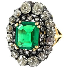 18k Antique Victorian Ring with 2.10 carat Colombian Green Emerald and Diamonds