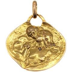 Art Nouveau 18 Karat Gold Penant
