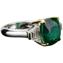 Certified 5.46 carat Emerald and Diamond Cocktail Ring