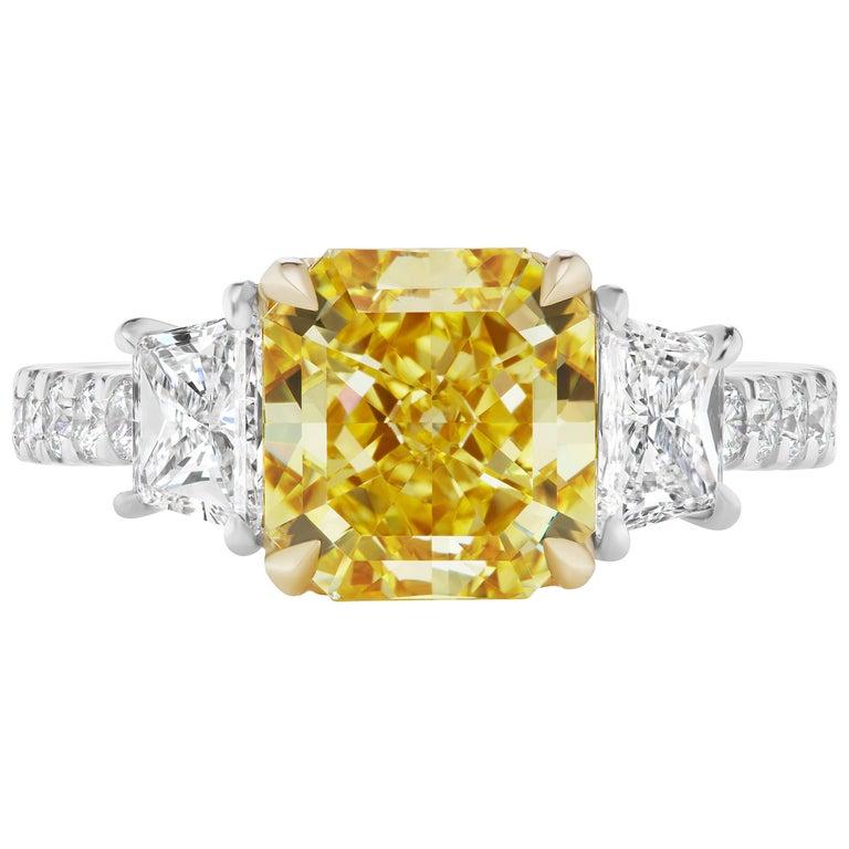 Scarselli 3 carat VIVID Yellow Radiant Cut Diamond Platinum Engagement Ring