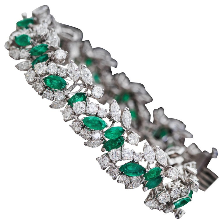 1960s 19 Carat Diamond and 6 Carat Emerald Platinum Bracelet