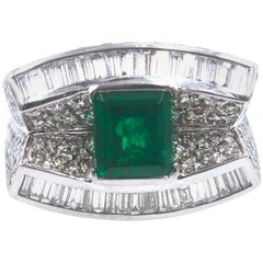 Diamond Emerald 18 Karat White Gold Cocktail Ring