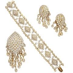 Van Cleef & Arpels Diamond Gold Set