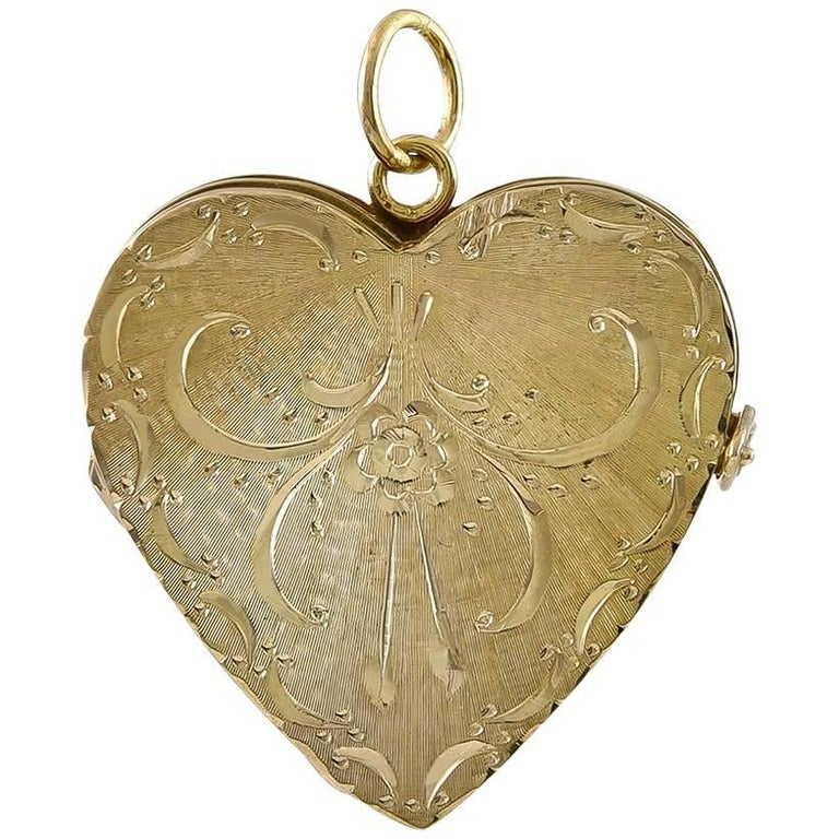 Engraved Gold Locket for Four Pictures For Sale