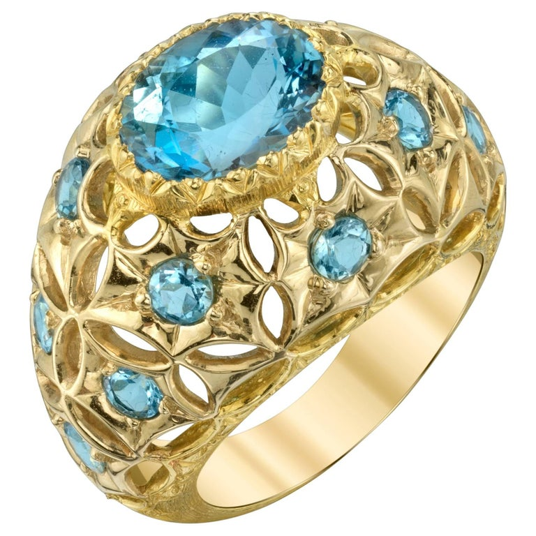 Aquamarine 18 Karat Yellow Gold Ring For Sale