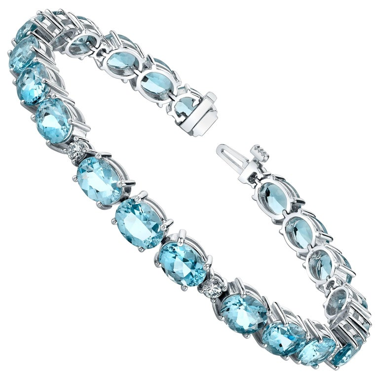 22 75 Carat Aquamarine Bracelet 18 Karat White Gold With Diamonds For