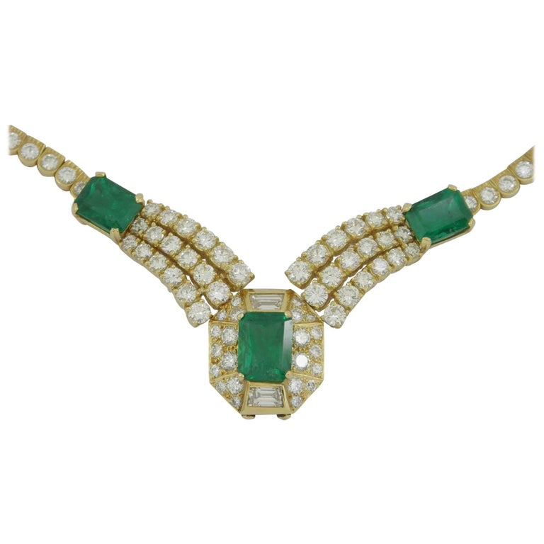 Round Brilliant Cut and Baguette Cut Diamond Certified Zambian Emerald Necklace For Sale