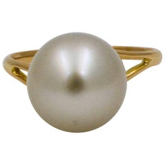 Cultured Pearl 18 Karat Yellow Gold Ring