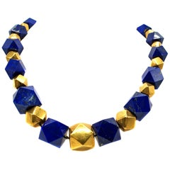 Retro Lapis Lazuli and 18 Karat Yellow Gold Geometric Graduated Bead Necklace