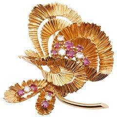 Kutchinsky 18 Karat Yellow Gold Ruby & Diamond Vintage Brooch