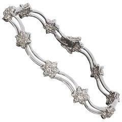 Round Diamond White Gold Flower Bracelet
