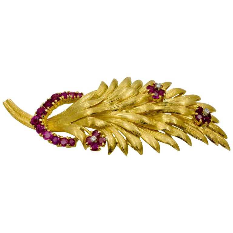 1.50 CTW Ruby Diamond 18 KY Gold Brooch For Sale