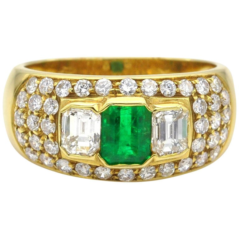 Emerald and Diamond Yellow Gold Ring