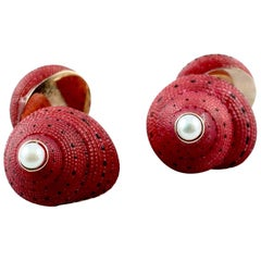 Strawberry Shell Gold Cufflinks Pearl