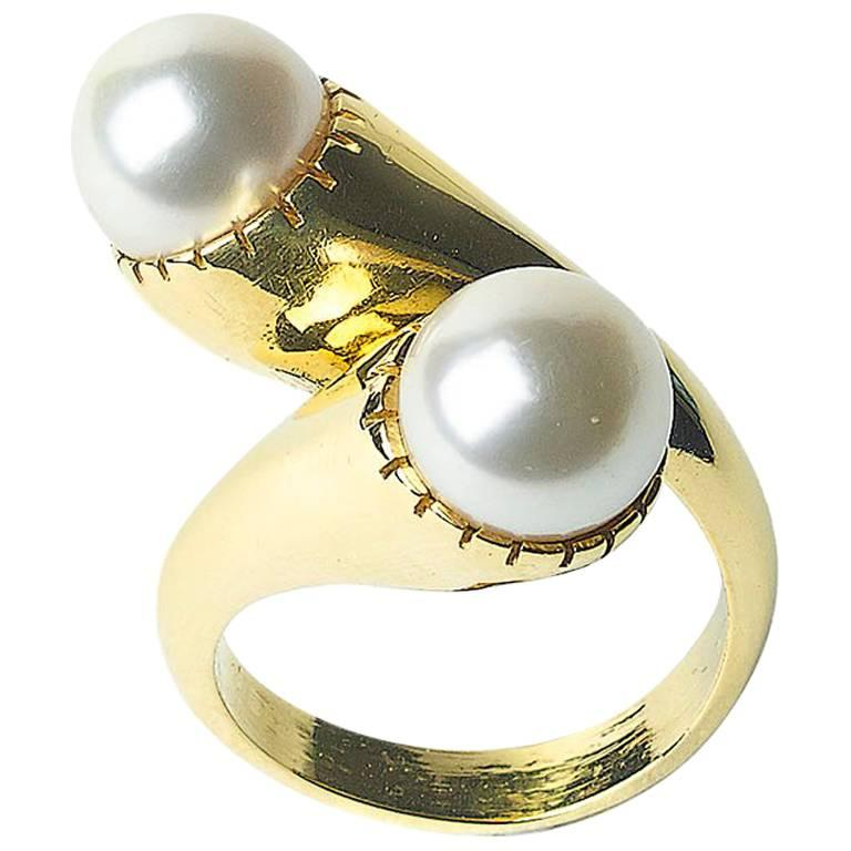 Pearl and Gold Crossover Ring