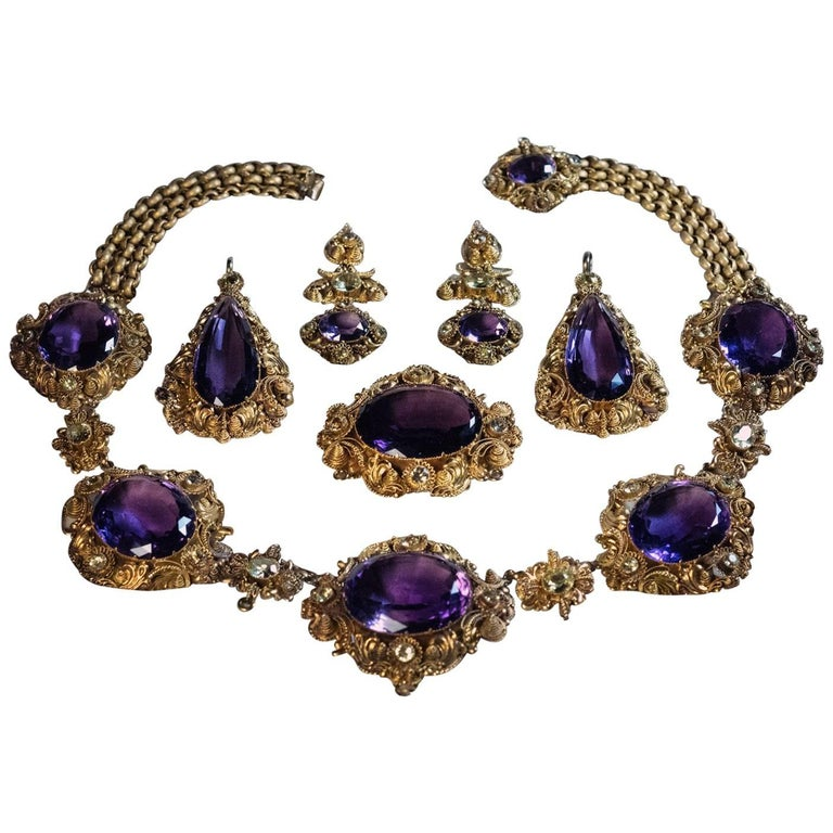 Antique Georgian Era Amethyst Chrysoberyl Gold Parure, circa 1830 For Sale