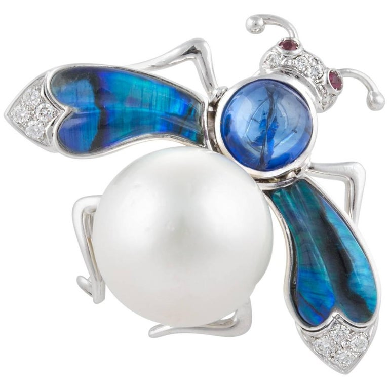 Ella Gafter White South Sea Pearl Diamond Bee Brooch Pin with Blue Sapphire For Sale