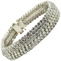 Ladies 30.00 Carat Round Diamond 18 Karat White Gold Bracelet