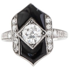 1930s 0.60 Carat Diamond and Onyx Platinum Ring