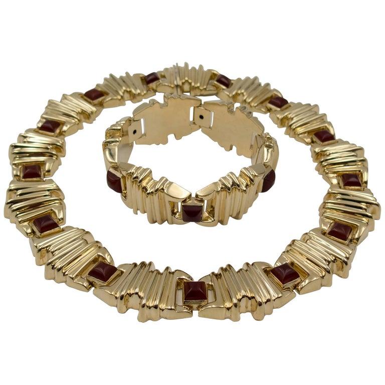 Sugarloaf Carnelian Gold Necklace and Bracelet Suite