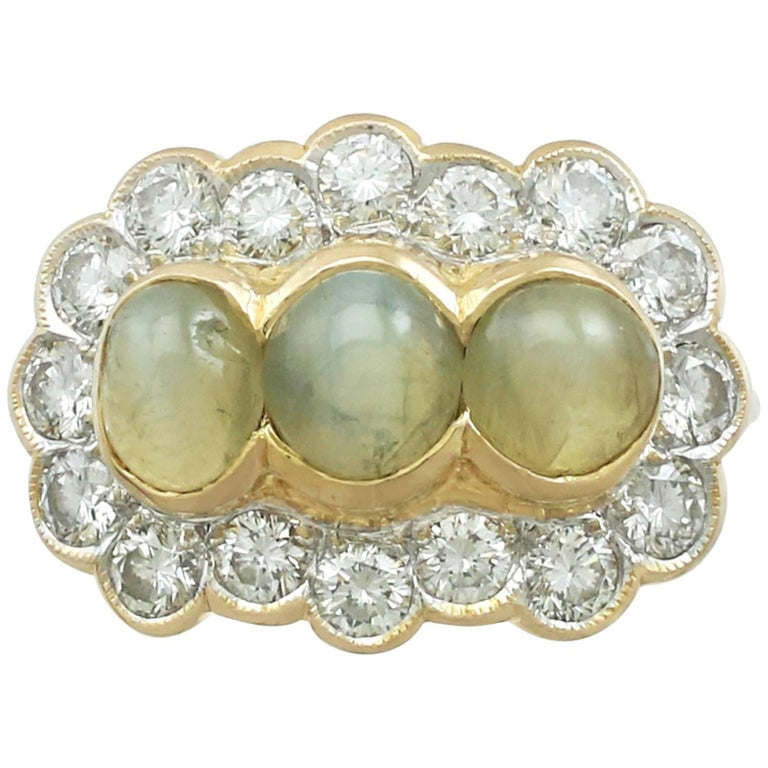 1970s 2.19 ct Chrysoberyl and Diamond 18k Yellow Gold Dress Ring For Sale