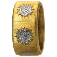 Buccellati 18 Karat Textured Brushed Gold Ring White Gold Circles