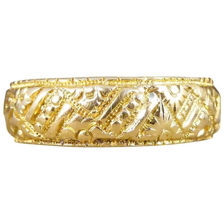 Victorian Engraved 18 Carat Yellow Gold Wedding Band