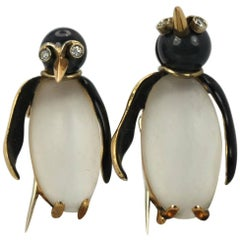 18 Karat Gold Moonstone Enamel Pair of Penguins Attributed to Fasano