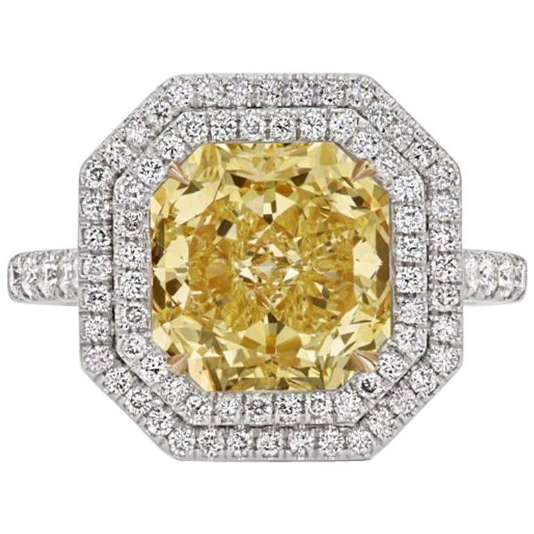 Scarselli GIA 4.09 Carat Yellow Radiant Cut Diamond Engagement Ring in Platinum