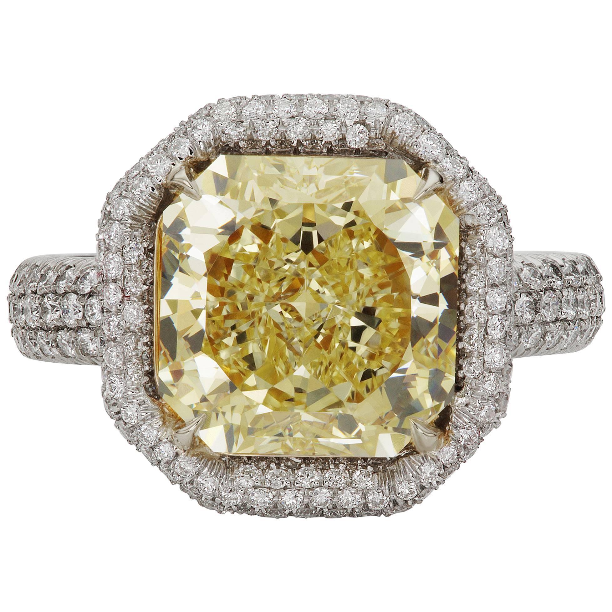 Scarselli 4 carat Yellow Radiant Cut Diamond Engagement Ring in Platinum