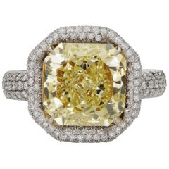 Scarselli 4 carat Yellow Radiant Cut Diamond Engagement Ring in Platinum