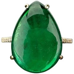 9.21 Carat Emerald and Diamond 18K Gold Ring
