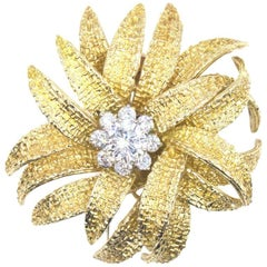Van Cleef & Arpels Paris Mid-20th Century Diamond Flower Pin Brooch