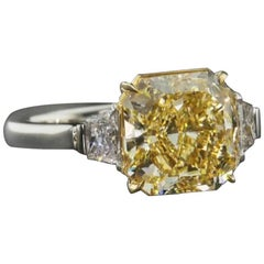 Scarselli 3.85 carat Yellow Radiant Diamond Ring Internally Flawless in Platinum