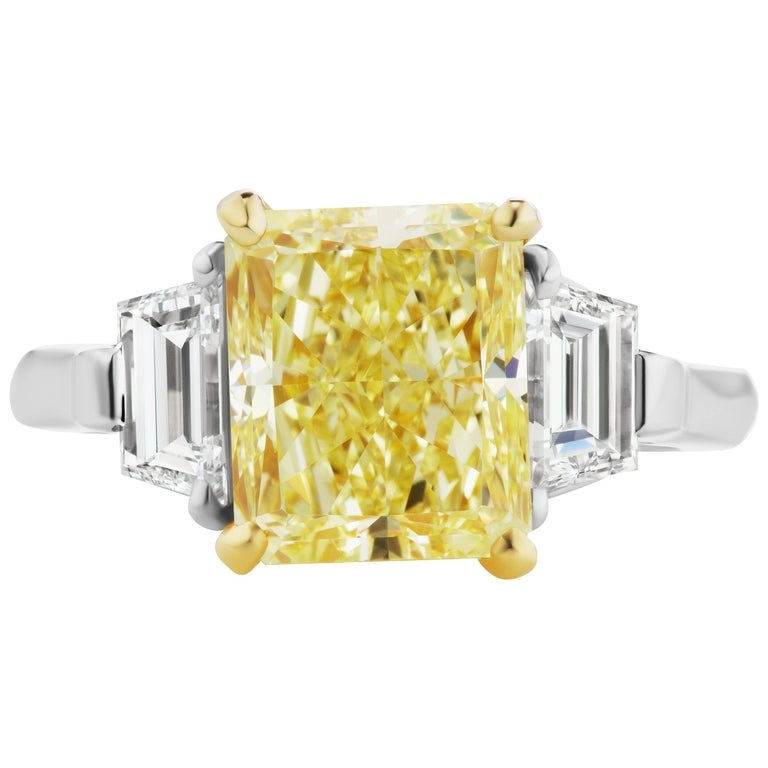 Scarselli GIA certified 4.56 Fancy Intense Yellow Radiant Diamond Ring Platinum