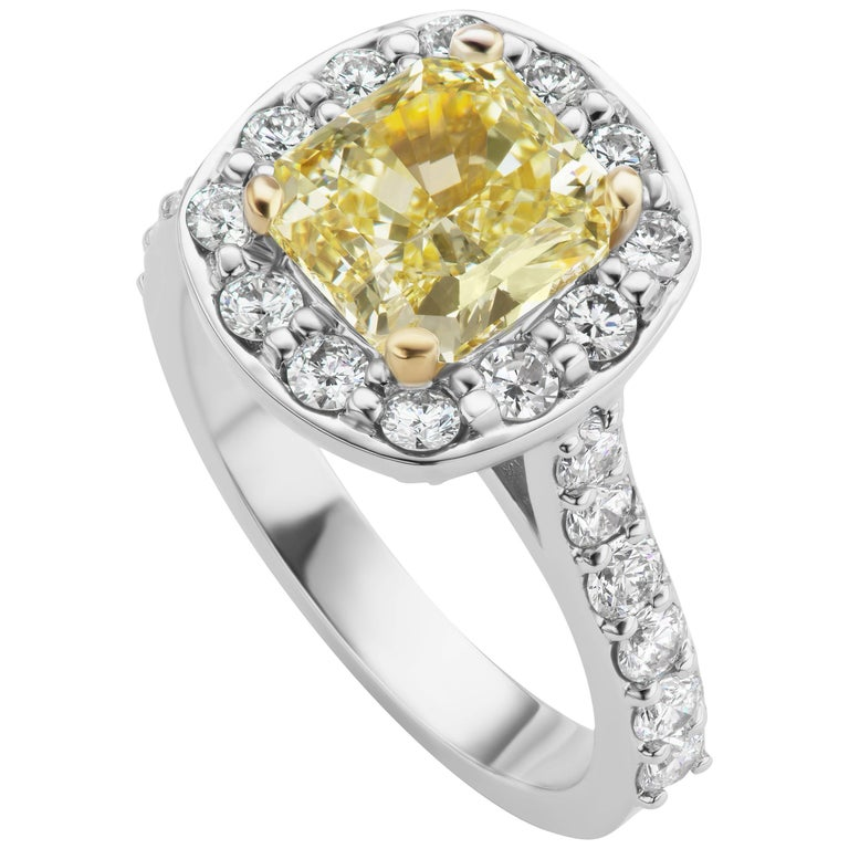 Scarselli GIA 2.79 carat Radiant Cut Yellow Diamond Engagement Ring in Platinum