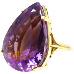 42 Carat Pear Shaped Amethyst Gold Ring