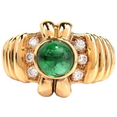 1980s Emerald Cabochon Diamond Yellow Gold Cocktail Ring
