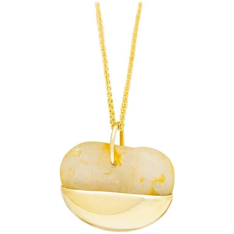 18 Karat Gold Pebble Pendant Necklace