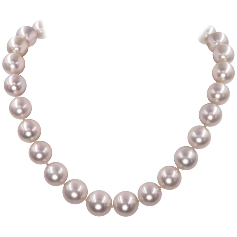 White South Sea Pearl Necklace with Pave Diamond Clasp