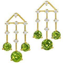 Wendy Brandes 16.39 Carat Peridot and Diamond Yellow Gold Chandelier Earrings