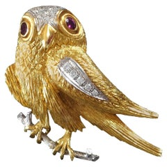 1970s Diamond Ruby Gold Falcon Bird Brooch Pin