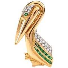 1980s Diamond and Emerald 18 Karat Gold Pelican Bird Animal Pin Brooch