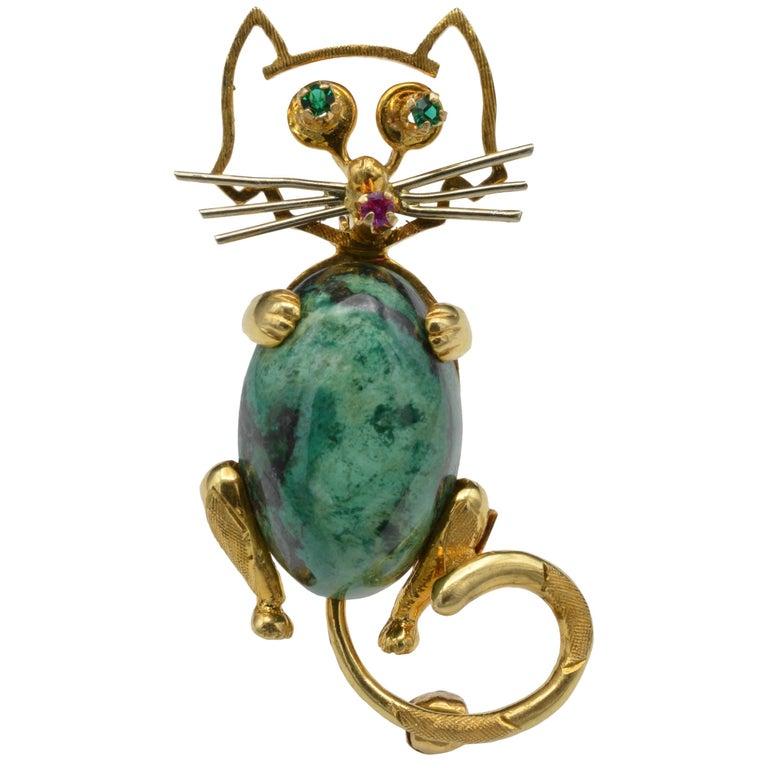 1970s Cat Brooch 18 Karat Yellow Gold Emerald Ruby Chrysocolla, Italy