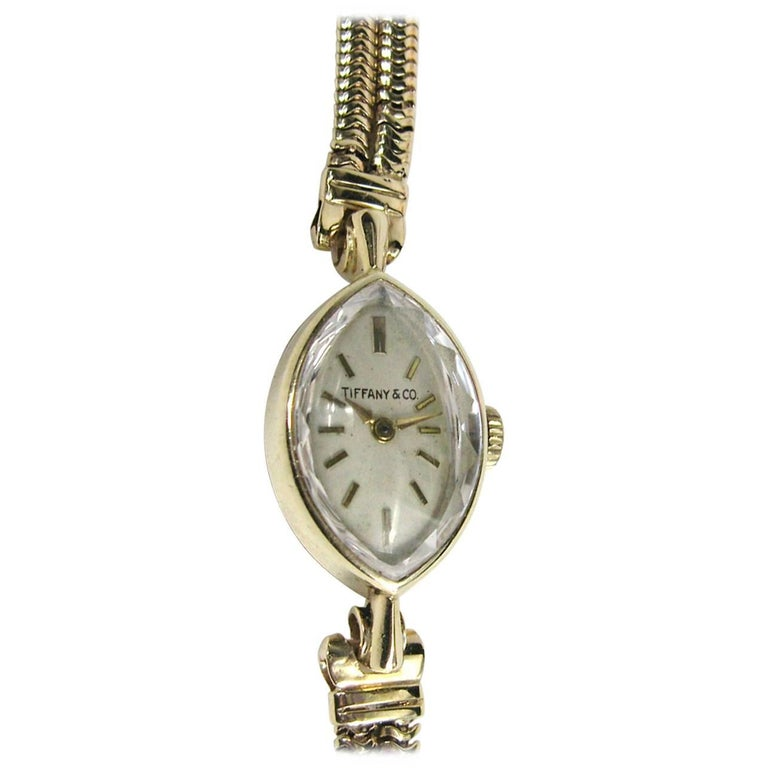 Tiffany & Co. Ladies Yellow Gold Oval Face Wristwatch, 1940s