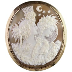 Antique Victorian Large 15 Carat Gold Night and Day Cameo Brooch, circa 1860