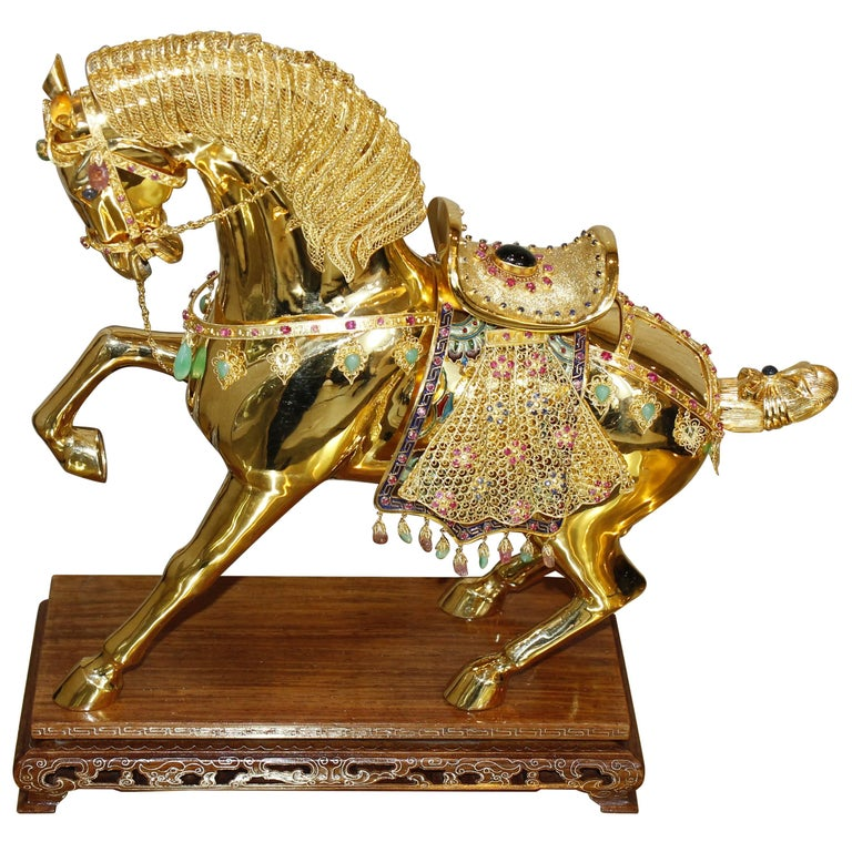 18 Karat Gold Semi Precious Stone Horse