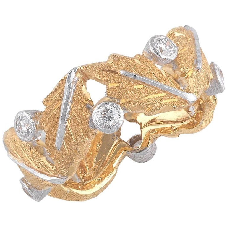 Buccellati Oak Leaves Shaped Yellow Gold and Small Diamonds Band Ring For Sale